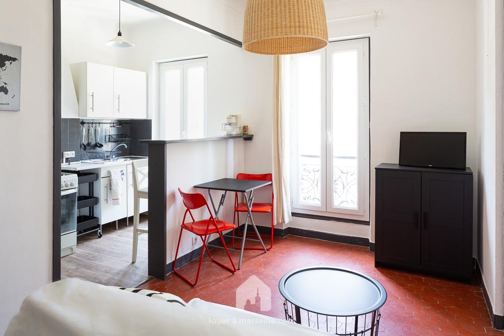 Appartement Meublé 1 Chambre   MARSEILLE 13006